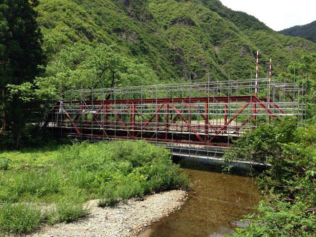 吊り足場(入広瀬地区)